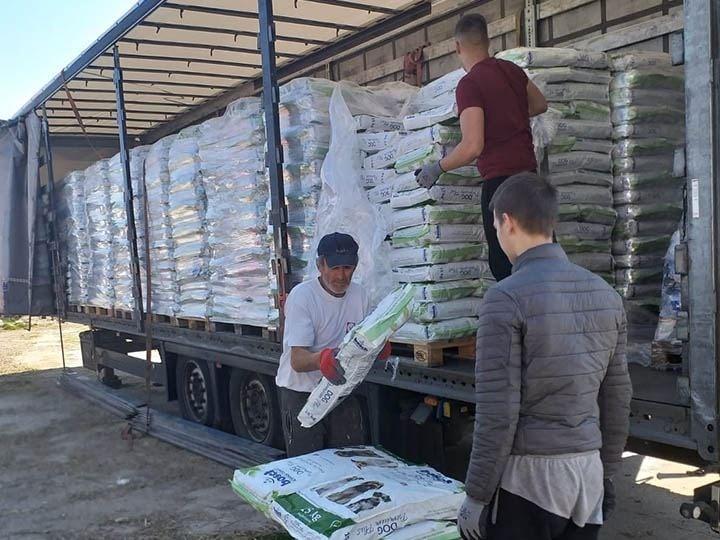 Animal Hope & Liberty e.V.-Futterspendenankunft-maerz-2020-Spenden-Marathon-2019-Rumänien-3