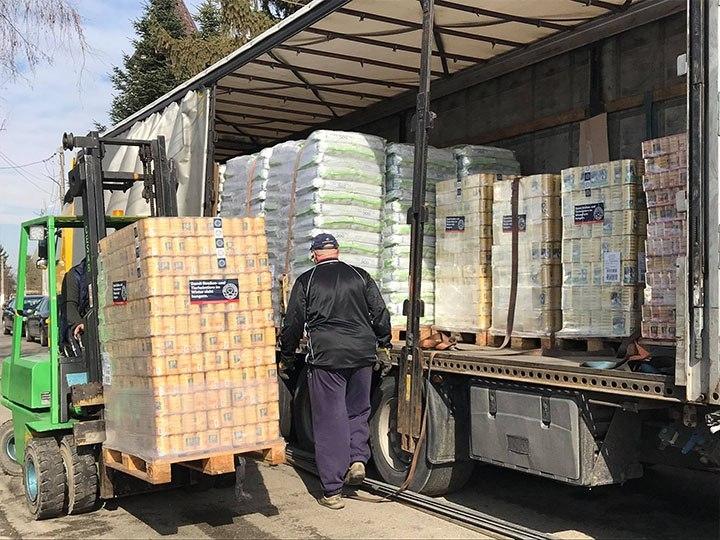 Romania's Furrytales e.V.-Futterspendenankunft-maerz-2020-Spenden-Marathon-2019-Rumänien (4)