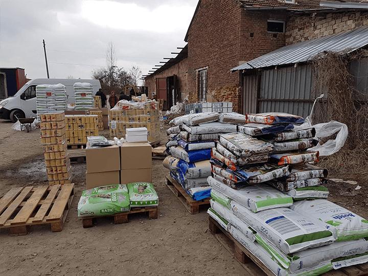 Glück-für-alle-Pfoten-e.V.-Futterspendenankunft2019-Spenden-Marathon2018-Bulgarien(3)