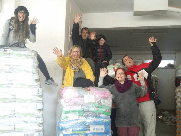 Frieden-für-Pfoten-Futterspendenankunft2018-Spenden-Marathon2017-Griechenland(4)